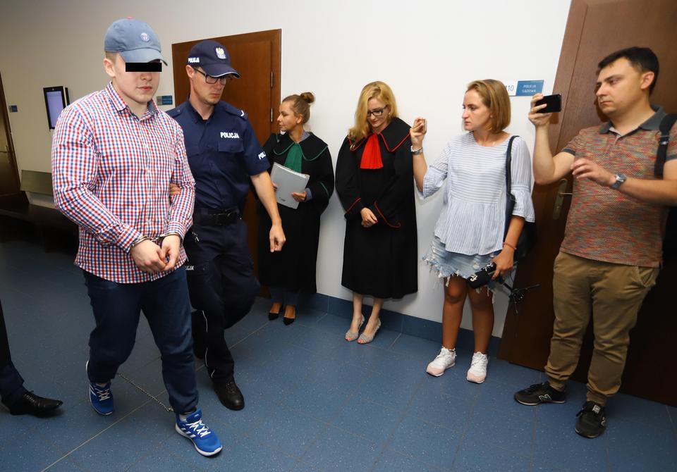 Zdaniem prokuratury, licealistka z okolic Włodawy i jej trzej koledzy dopuścili się czynów, które jeżą włosy na głowie
