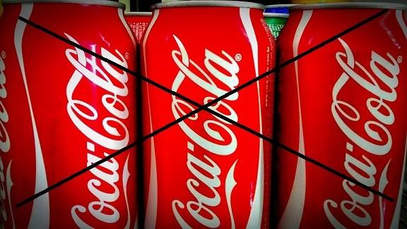 Przeczytajcie o poważnych konsekwencjach picia coca-coli dzień w dzień