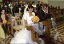 Teściowa w nietypowy sposób pojawiła się na weselu syna. Panna młoda była zdziwiona
