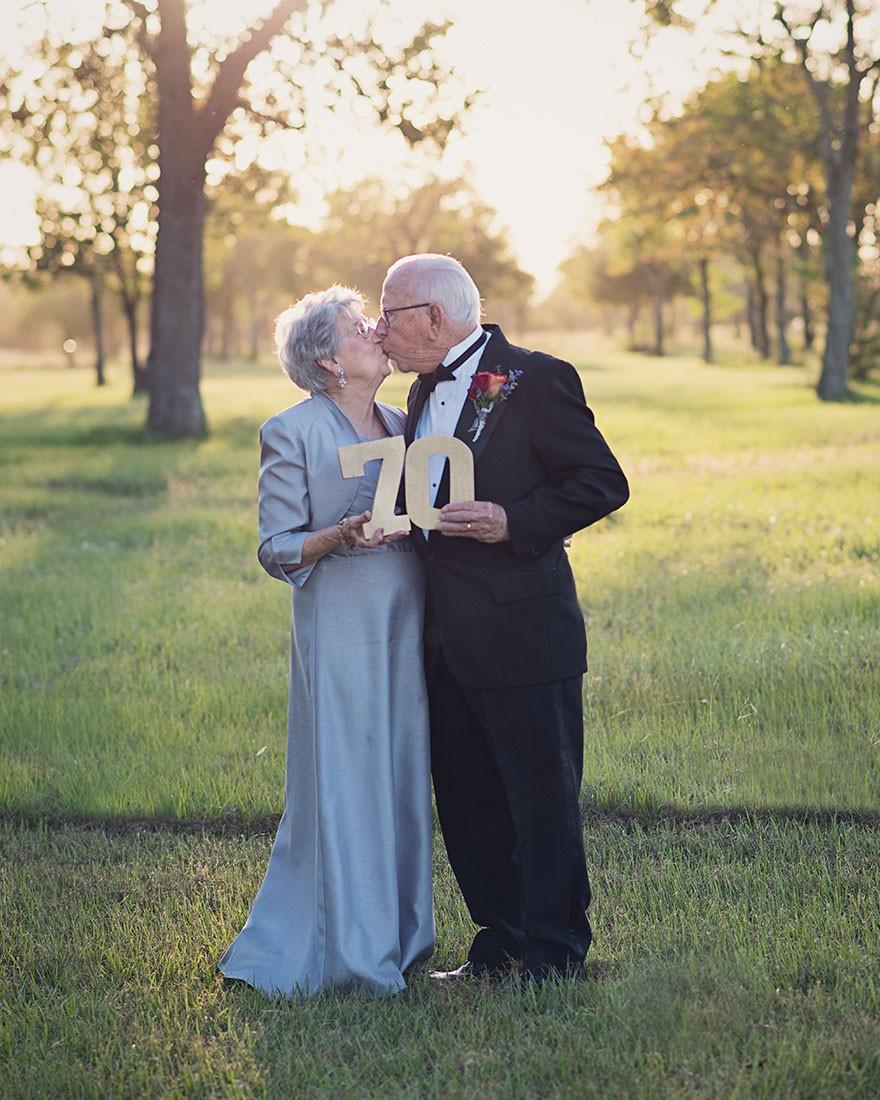 Para czekała 70 lat na robienie zdjęć ślubnych