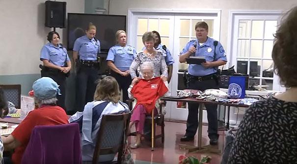 102 letnia staruszka została aresztowana tak więc spełniło się jej marzenie trafić do aresztu