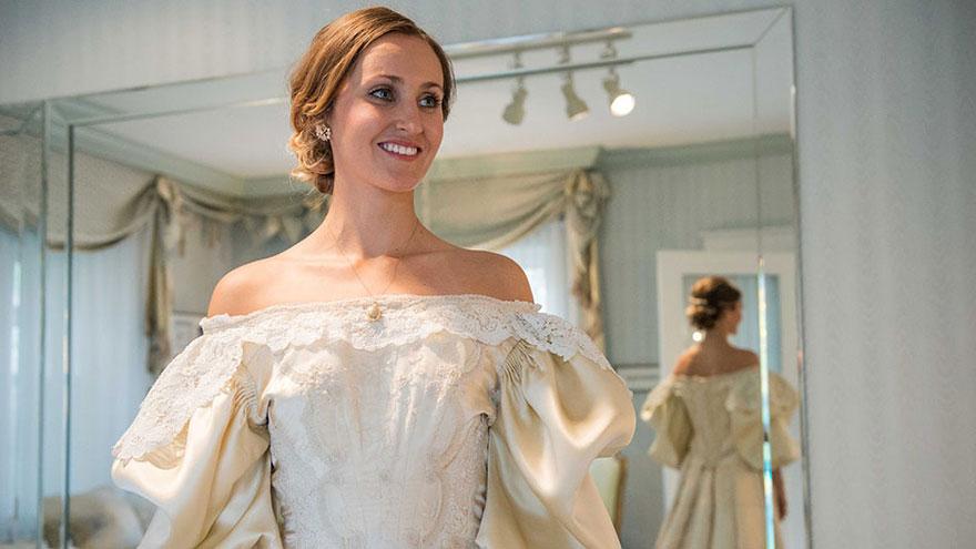 Panna młoda jest jedenastą kobietą w rodzinie ubierającą się w suknię ślubną, która ma ponad 120 lat