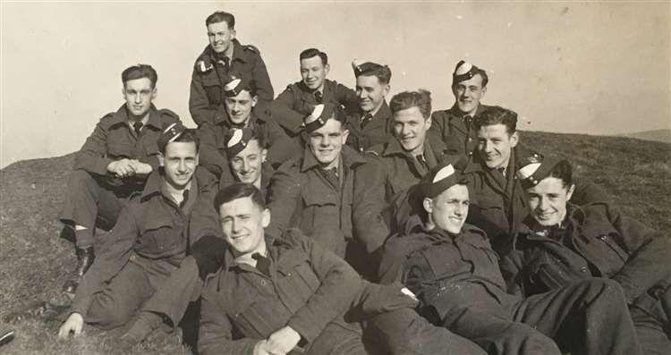 Żołnierze, którzy kiedyś byli przyjaciółmi, spotkali się po 75 latach, ale stało się to już po ich odejściu