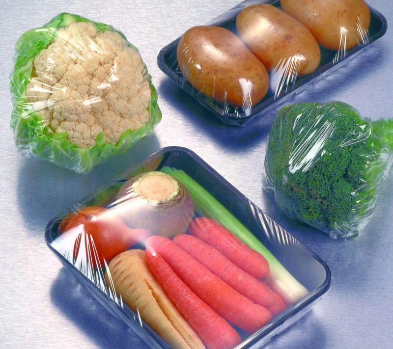 Jakie są korzyści z gotowania produktów w folii spożywczej
