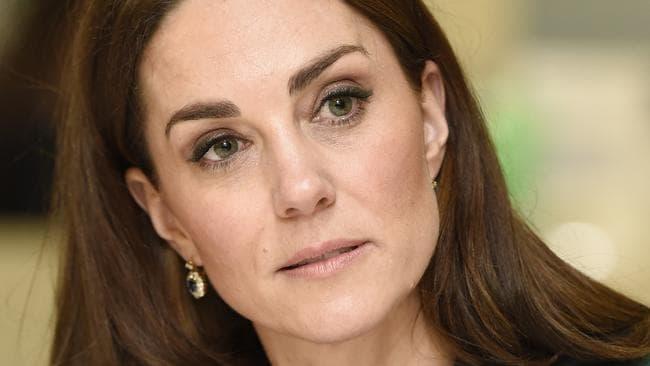 """Kate Middleton jest zaskoczona zdradą redaktora naczelnego magazynu """"Tatler"""", który był przyjacielem rodziny"""