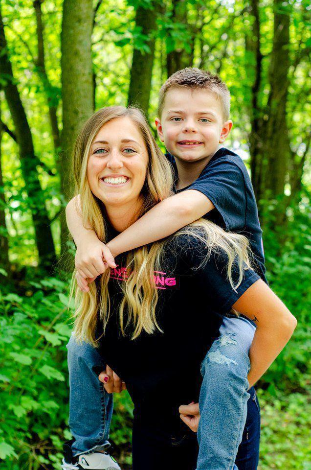 Kiedy pielęgniarka dowiedziała się o poważnej chorobie chłopca, postanowiła mu pomóc, oddając część siebie