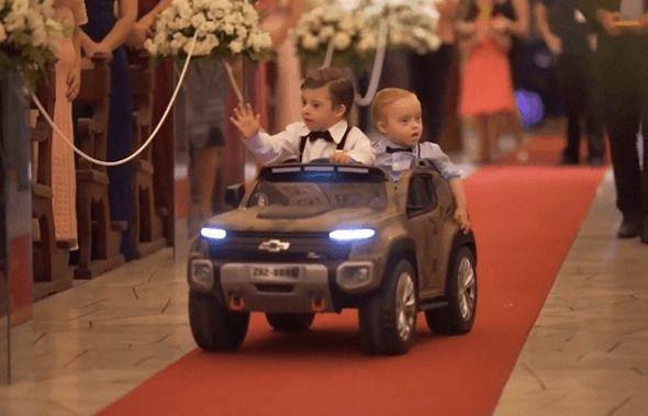 W dniu ślubu pan młody zrobił swojej ukochanej miłą niespodziankę