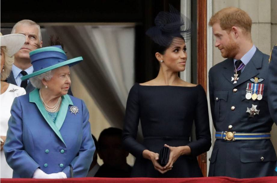 Dobrze poinformowana osoba opowiedziała o kłótni księcia Harry'ego z królową Elżbietą II o Meghan Markle w przeddzień ślubu