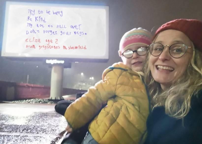 Dziewczynka napisała notatkę dla swojej matki, ale kobieta uznała, że jej treść jest ważna dla wszystkich ludzi