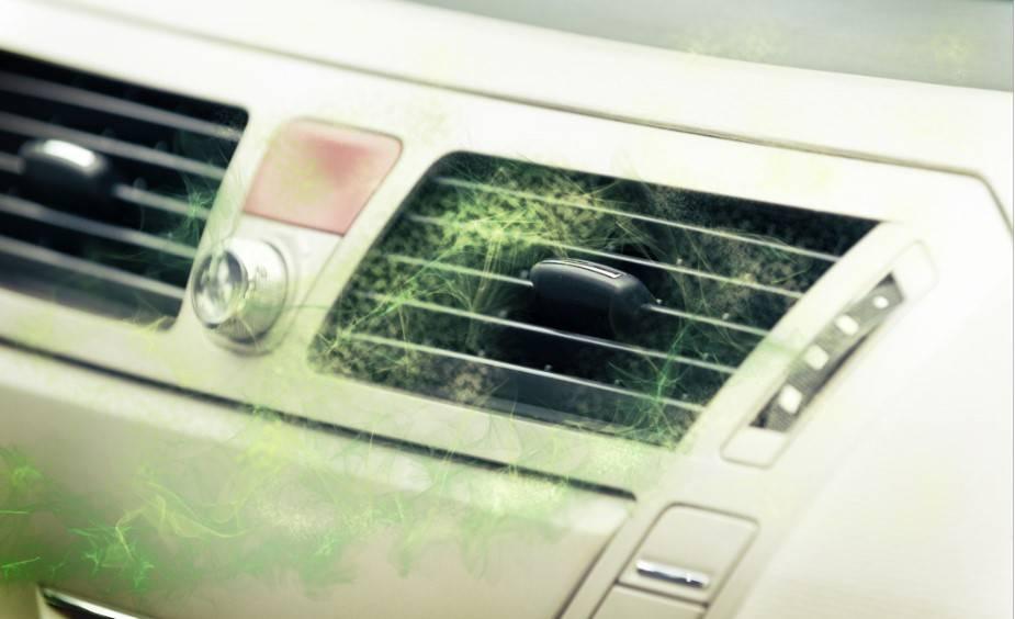 Jedna prosta sztuczka pomoże pozbyć się nieprzyjemnego zapachu z klimatyzatora w samochodzie