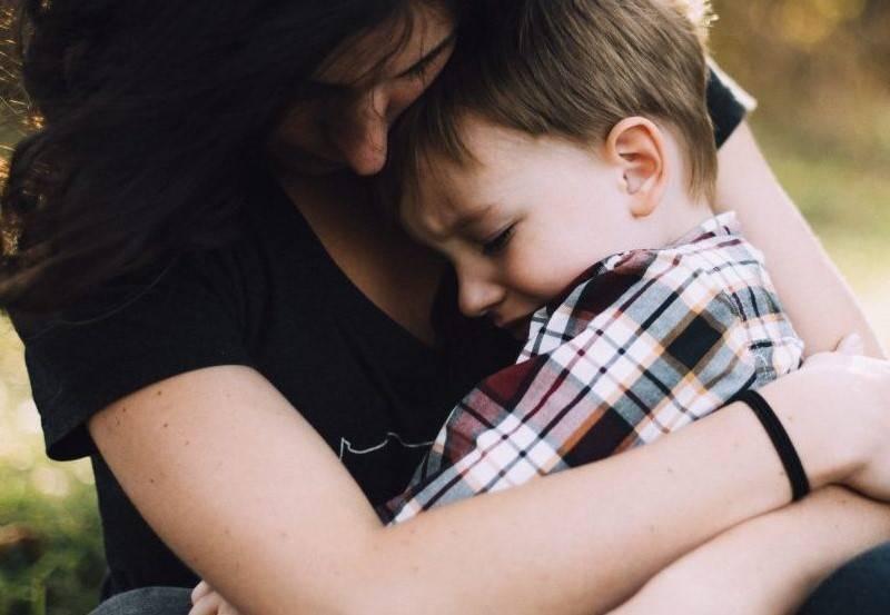Przydatne wskazówki dla rodziców, które pomogą dzieciom radzić sobie ze stresem i niepokojem