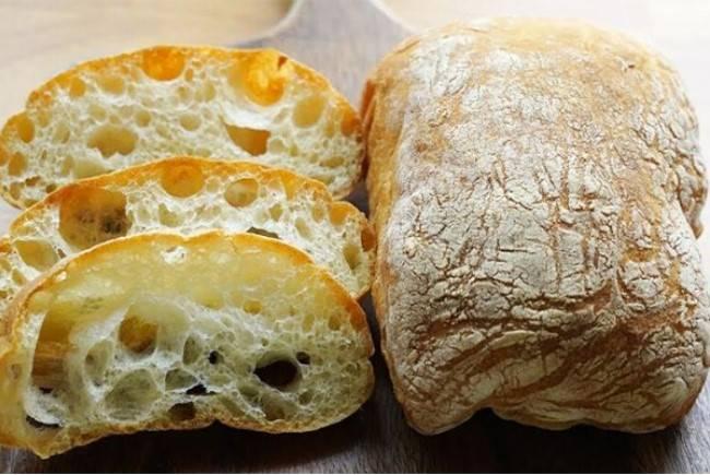 Pyszna ciabatta. Całkowicie zastąpi chleb ze sklepu