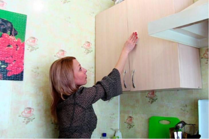 Skuteczny sposób na usunięcie tłustych osadów w kuchni